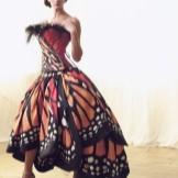 Lily Yong pakaian rama-rama
