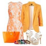 Valkoinen persikka-mekko, jossa on oranssi pussi