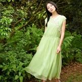 Vaaleanvihreä mekko tytöille värityypin kesällä