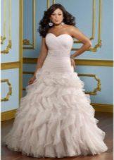 Vestit de núvia per a una línia completa amb volants a la faldilla