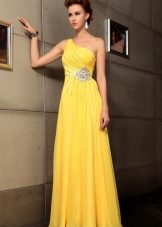 Avondjurk in de Griekse stijl geel