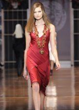 Rød kjole i linnedstil kort