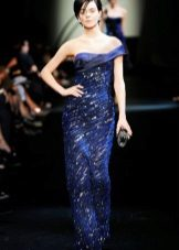 Blue evening dress mula sa Armani