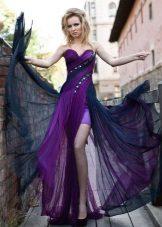Oksanan ilta-violetti mekko lentää