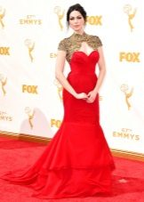 Laura Prepon - Emmy Dress 2015
