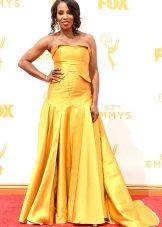 Június Ambrose - ruha Emmy 2015
