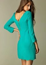 Vestido turquesa curto com mangas compridas