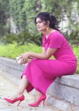 Fuchsia dress with pink shoes