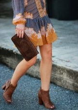 Brown ankle boots for a blue mustard dress