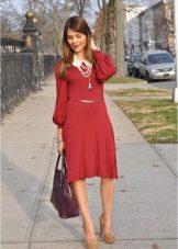 Crimson Dress Accessories