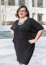 Zwarte jurk-tuniek voor vrouwen met overgewicht