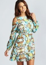 Colorful dress with sleeves