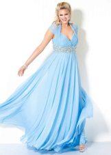 Blauwe jurk voor dikke buik
