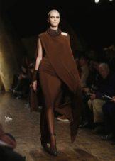 Smuk mørk brun kjole