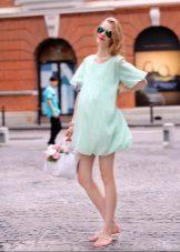 Lichtblauwe korte zwangerschapsjurk