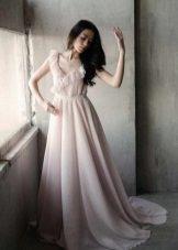 Pembe gölgeli uzun süt elbise