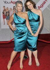 Dresses of medium length in aqua