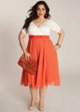 Vestit complet amb cintura alta - part superior de color blanc i fons taronja