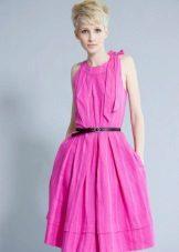 Rochie roz cu curea de contrast