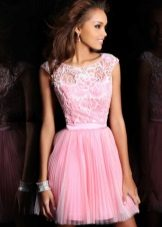 roz rochie cu dantelă de sus
