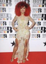 BRIT Awards 2016: Fleur East