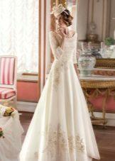 A-siluet perkahwinan gaun