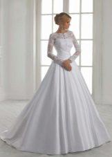 A-siluet perkahwinan pakaian dengan renda