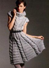 Stickad a-line klänning