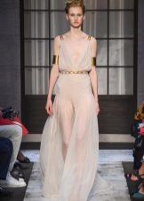 Grekisk klänning från Schiaparelli genomskinlig