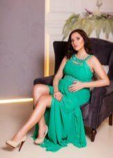 Зелена рокля за бременни