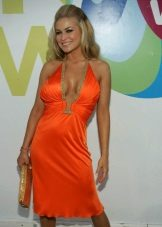 Suitable dress for women of the color type Autumn - Carmen Electra