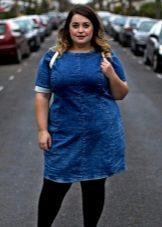 Vestit d'oficina de mezclilla blau fosc per a un cos complet en combinació amb malles negres ajustades