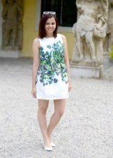 Korte witte print A-lijn jurk