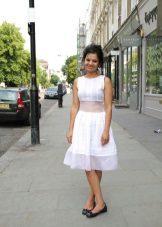 שמלה לבנה A- צללית בינוני אורך