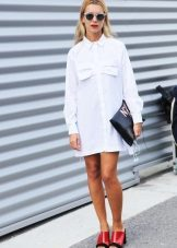 White dress shirt with bright accessories