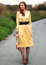 Galben rochie tricot cu un miros