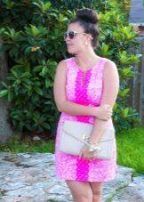 Rövid rózsaszín ruha-ruha teljes