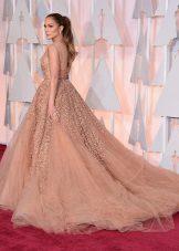 Kvelds fluffy kjole med tog Jennifer Lopez