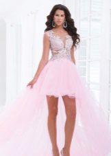 Rosa kjole med rhinestones og tog