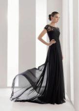 Svart kjole med tog