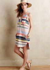 השמלה טוניק החוף