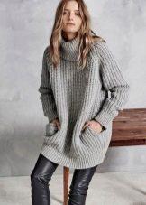 Knitted gray tunic dress