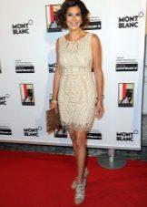 Obrácené trojúhelníkové šaty - Teri Hatcher