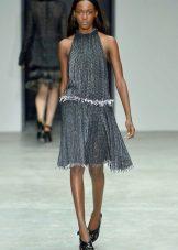 Midi-mekko, jossa on amerikkalaista käsivartta