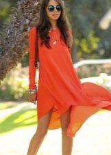 Oranssi sifonki mekko, jossa pitkät hihat