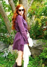Pitkähihainen ruudullinen mekko