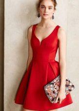 Rød kjole, flared fra midjen