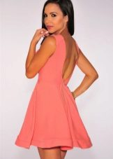Sommerklær kjole med åpen rygg