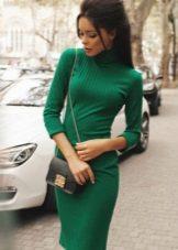 Ukrainan neulottu mekko