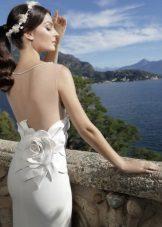 Suknelė su atvira nugara balta